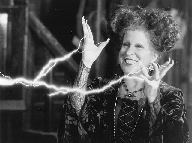 Bette Midler in Hocus Pocus (1993)