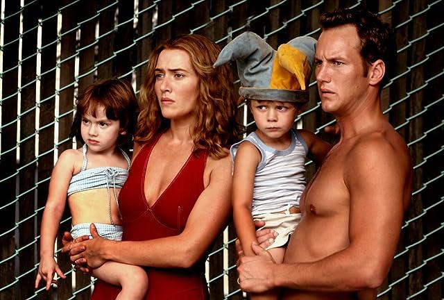 Kate Winslet, Patrick Wilson, Ty Simpkins, and Sadie Goldstein in Little Children (2006)