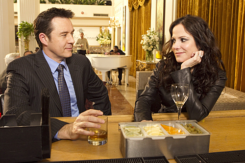 Mary-Louise Parker and Currie Graham in Weeds (2005)