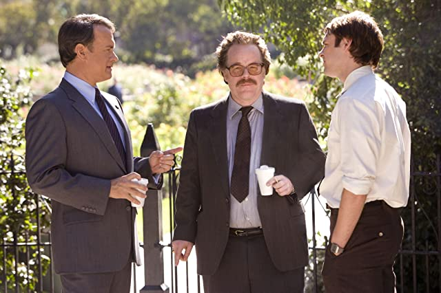 Tom Hanks and Philip Seymour Hoffman in Charlie Wilson's War (2007)