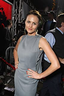 Aktori Amber Sainsbury