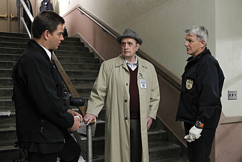 Mark Harmon, Bob Newhart, and Michael Weatherly in NCIS (2003)