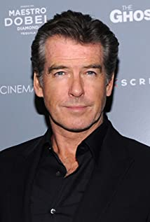 Aktori Pierce Brosnan