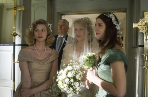 Claire Danes, Barry Bostwick, Mamie Gummer, and Sarah Clements in Evening (2007)