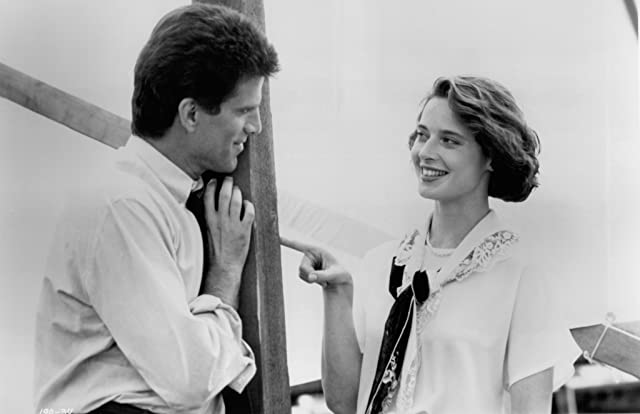 Isabella Rossellini and Ted Danson in Cousins (1989)