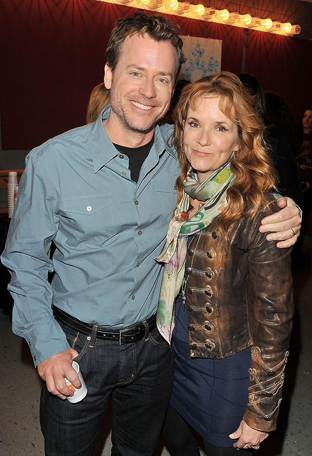 Lea Thompson and Greg Kinnear