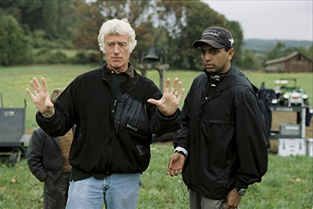 Roger Deakins and M. Night Shyamalan in The Village (2004)
