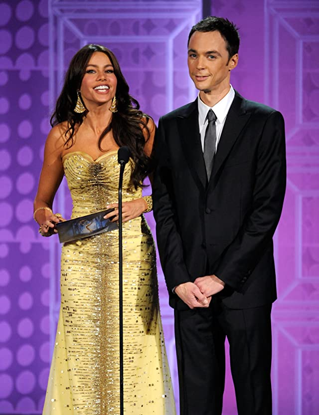 Sofía Vergara and Jim Parsons at event of The 62nd Primetime Emmy Awards
