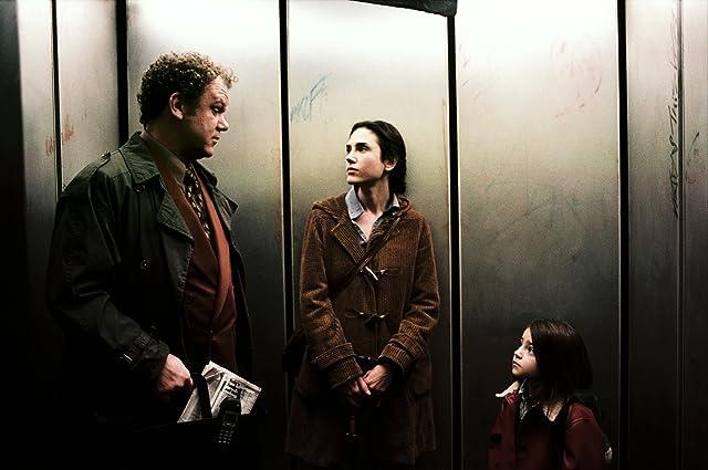 Jennifer Connelly, John C. Reilly, and Ariel Gade in Dark Water (2005)