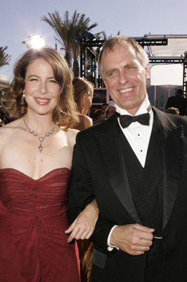 Keith Carradine and Robin Weigert