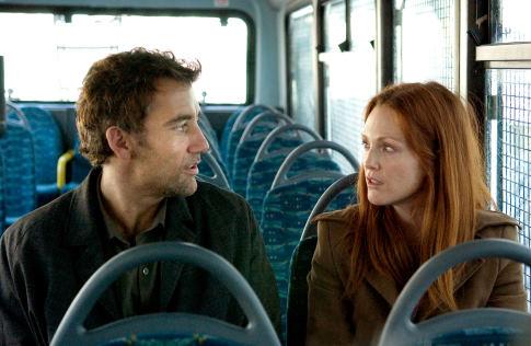 Julianne Moore and Clive Owen in Children of Men (2006)