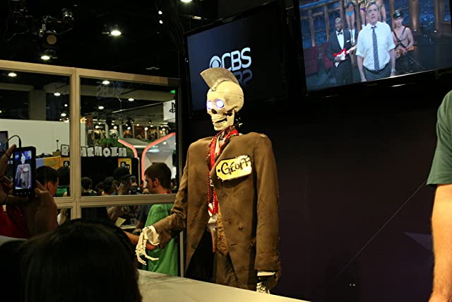 Geoff Petersen, Craig Ferguson's robot skeleton sidekick, at Comic-Con 2010.