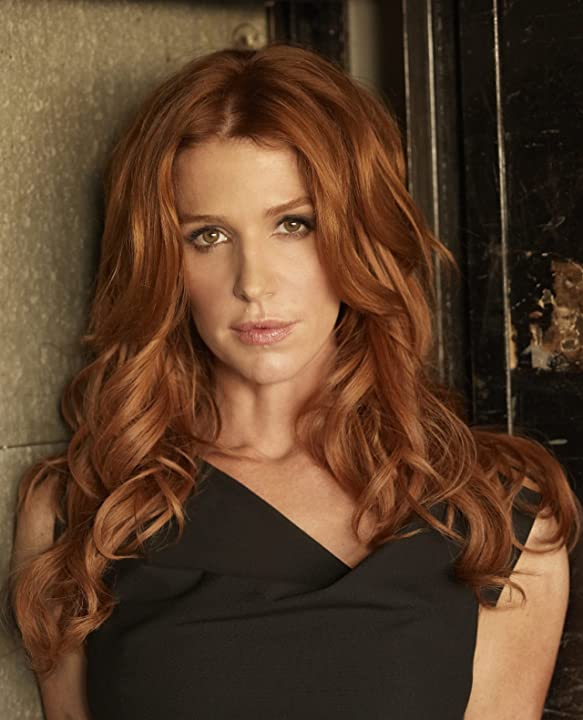 Poppy Montgomery in Unforgettable (2011)