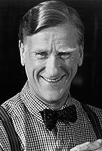 Donald Moffat's primary photo