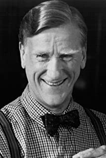 Donald Moffat Picture
