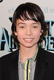 Aktori Noah Ringer