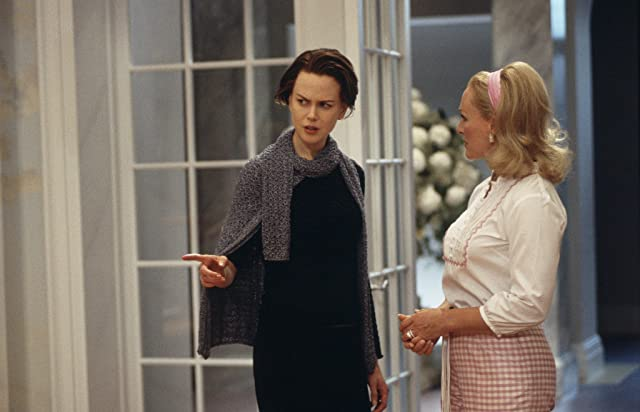 Nicole Kidman and Glenn Close in The Stepford Wives (2004)