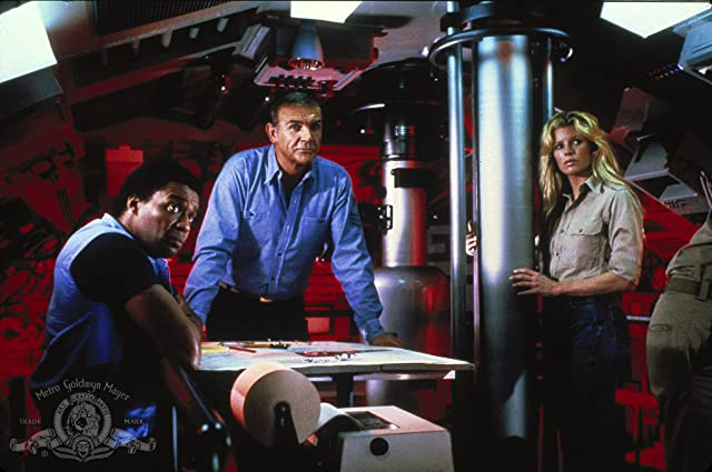 Kim Basinger, Sean Connery, and Bernie Casey in Never Say Never Again (1983)