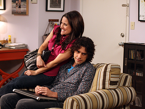 Julia Louis-Dreyfus and Hamish Linklater in The New Adventures of Old Christine (2006)