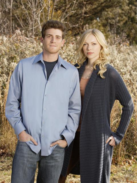 Laura Prepon and Bryan Greenberg in October Road (2007)
