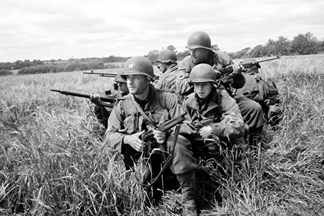 Tom Hanks, Giovanni Ribisi, Barry Pepper, and Tom Sizemore in Saving Private Ryan (1998)