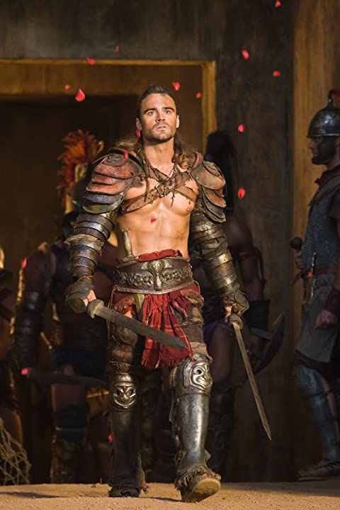 Dustin Clare in Spartacus: War of the Damned (2010)