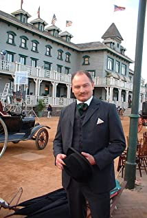 Aktori Adrian Galley