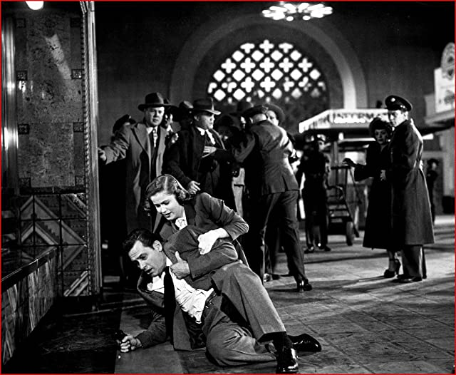 William Holden and Nancy Olson in Union Station (1950)