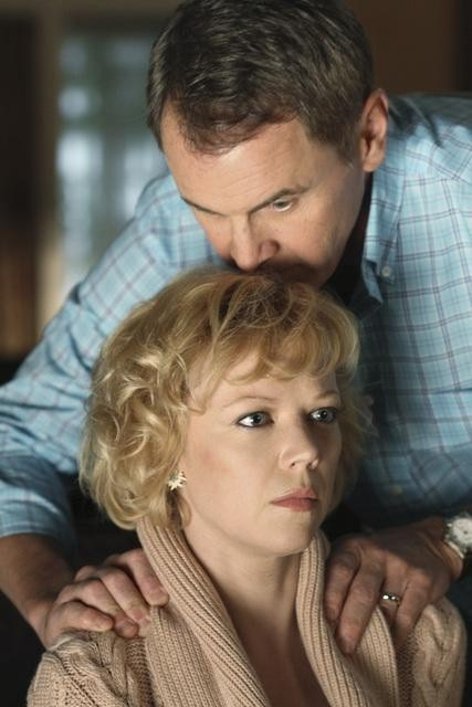 Emily Bergl and Mark Moses in Desperate Housewives (2004)