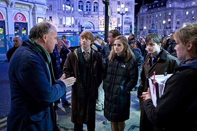 Rupert Grint, Daniel Radcliffe, Emma Watson, and David Yates in Harry Potter and the Deathly Hallows: Part 1 (2010)