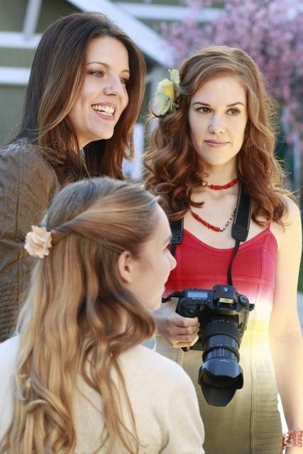Andrea Parker, Darcy Rose Byrnes, and Katharine Emmer in Desperate Housewives (2004)