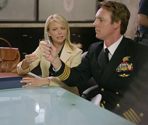 Faith Ford (left), Chris Potter (right)