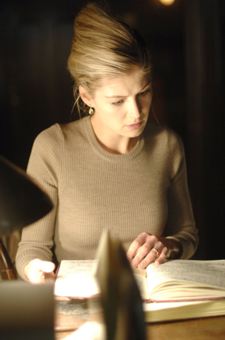 Rosamund Pike in Fugitive Pieces (2007)