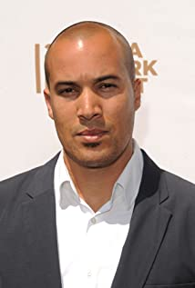 The 42-year old son of father Michel Bell and mother(?), 190 cm tall Coby Bell in 2018 photo