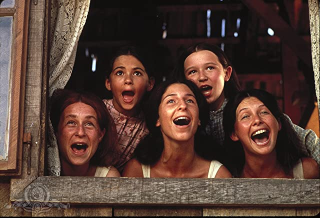 Candy Bonstein, Elaine Edwards, Rosalind Harris, Michele Marsh, and Neva Small in Fiddler on the Roof (1971)