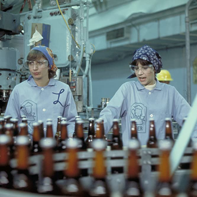 Penny Marshall and Cindy Williams in Laverne & Shirley (1976)