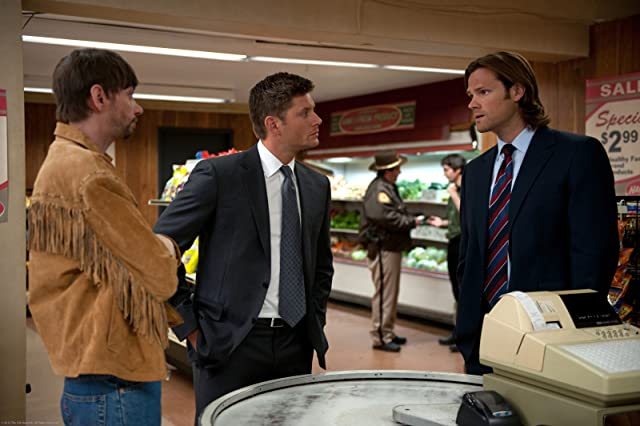 Jensen Ackles, Jared Padalecki, and DJ Qualls in Supernatural (2005)