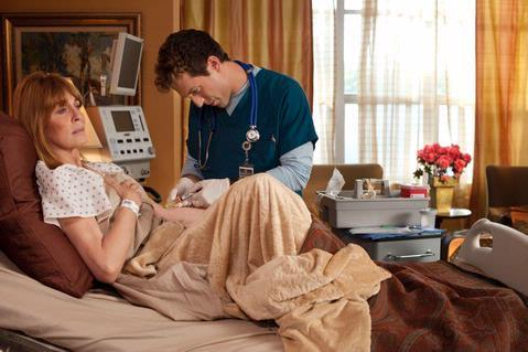 Joanna Cassidy and David Julian Hirsh in Hawthorne (2009)