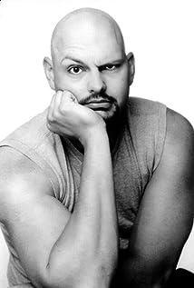 Aktori David Mattey