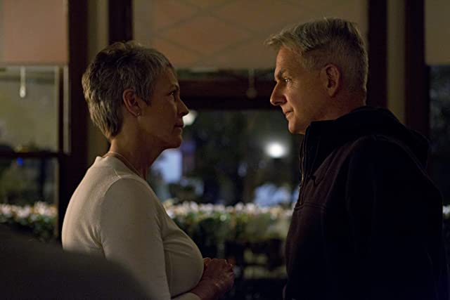 Jamie Lee Curtis and Mark Harmon in NCIS (2003)