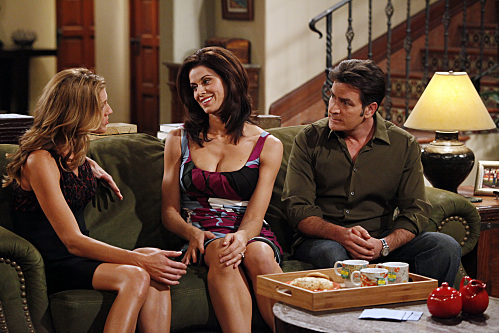 Charlie Sheen, Jennifer Taylor, and Tricia Helfer in Two and a Half Men (2003)