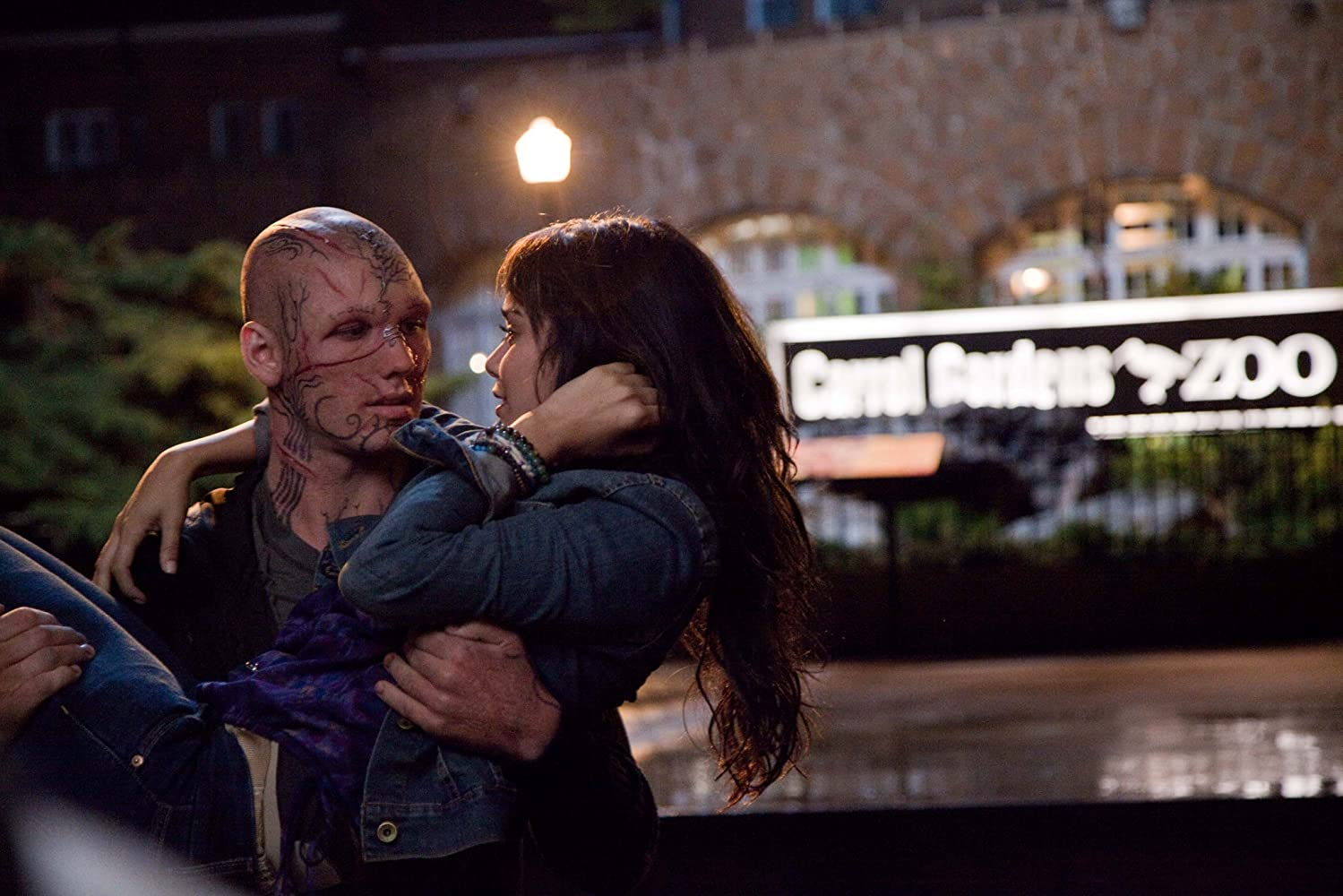 Vanessa Hudgens and Alex Pettyfer in Beastly (2011)