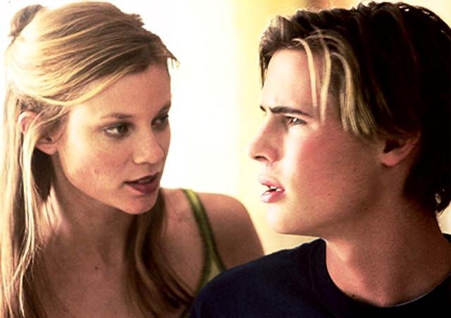 Amy Smart and Erik von Detten in Barely Legal (2003)
