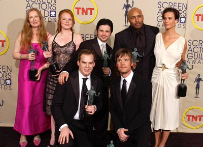 Lauren Ambrose, Freddy Rodríguez, Frances Conroy, Rachel Griffiths, Michael C. Hall, Peter Krause, and Mathew St. Patrick