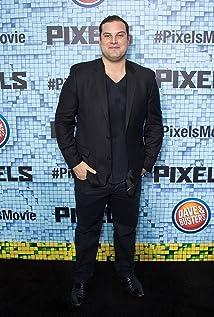 Aktori Max Adler