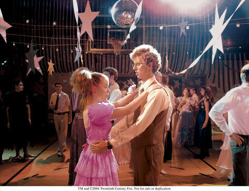 Tina Majorino and Jon Heder in Napoleon Dynamite (2004)