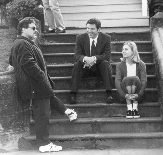 Loren Dean, Lawrence Kasdan, and Hope Davis in Mumford (1999)