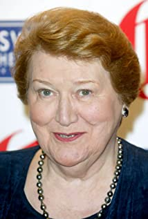 Patricia Routledge Picture