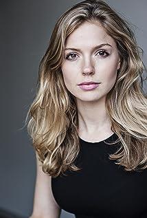 Aktori Lucy Aarden