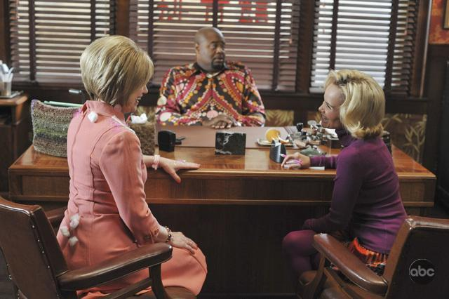 Mary Kay Place, Kristin Chenoweth, and Chi McBride in Pushing Daisies (2007)